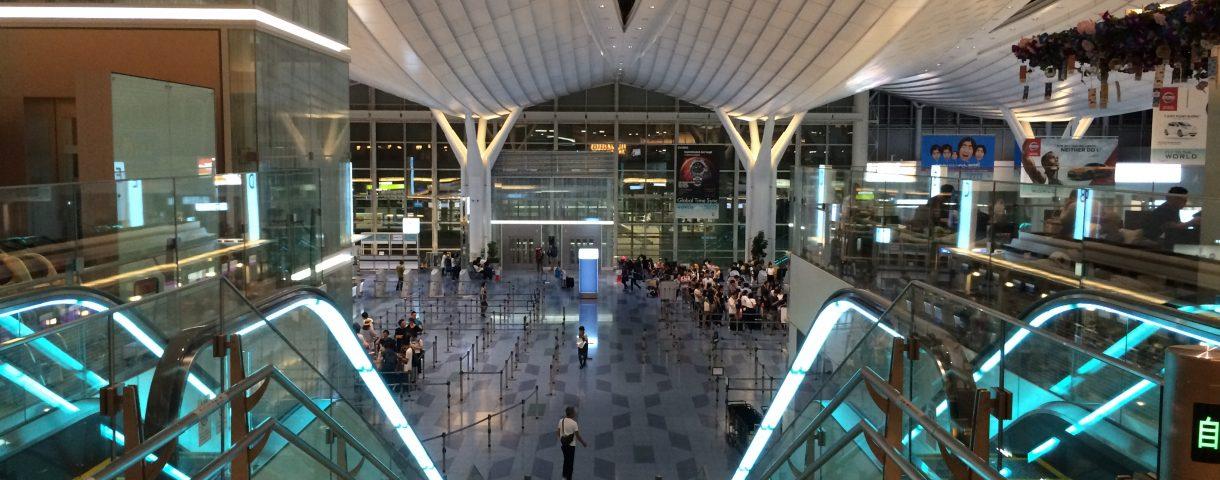 真夜中の空港
