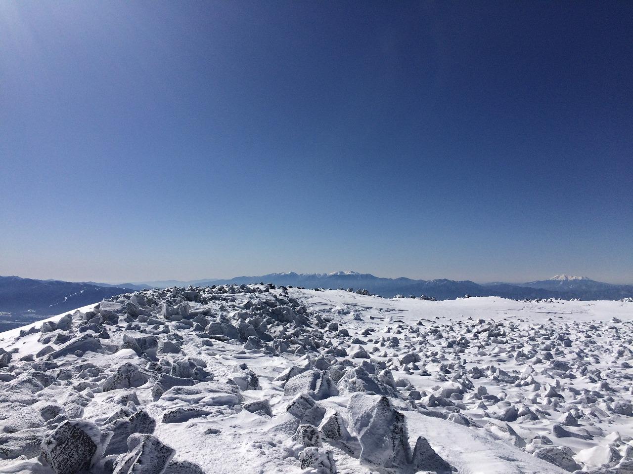 蓼科山から望む中央アルプス。