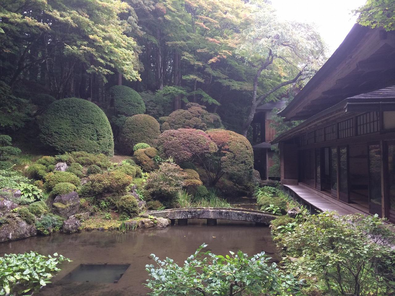 実に落ち着く、日本庭園