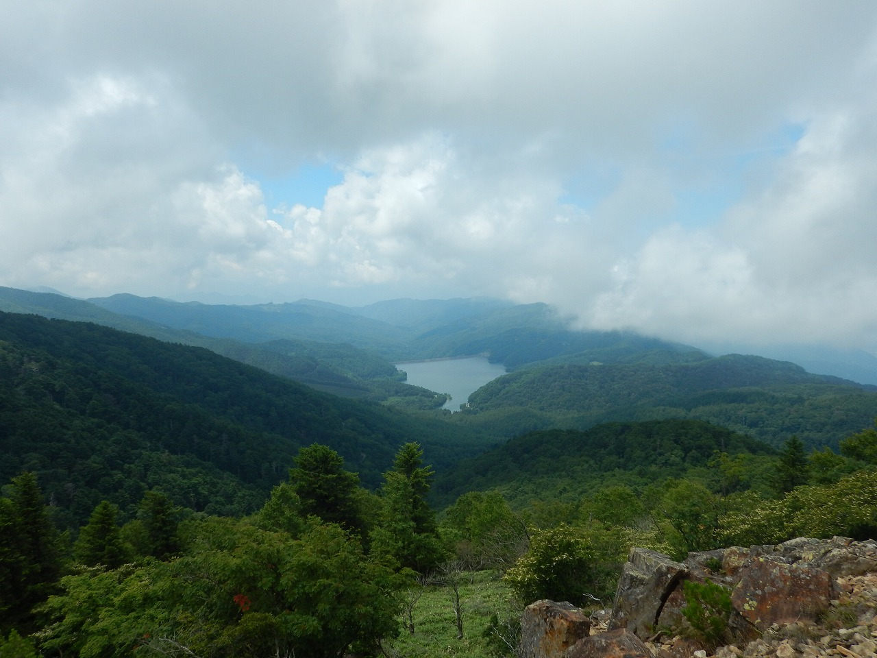 大菩薩湖。