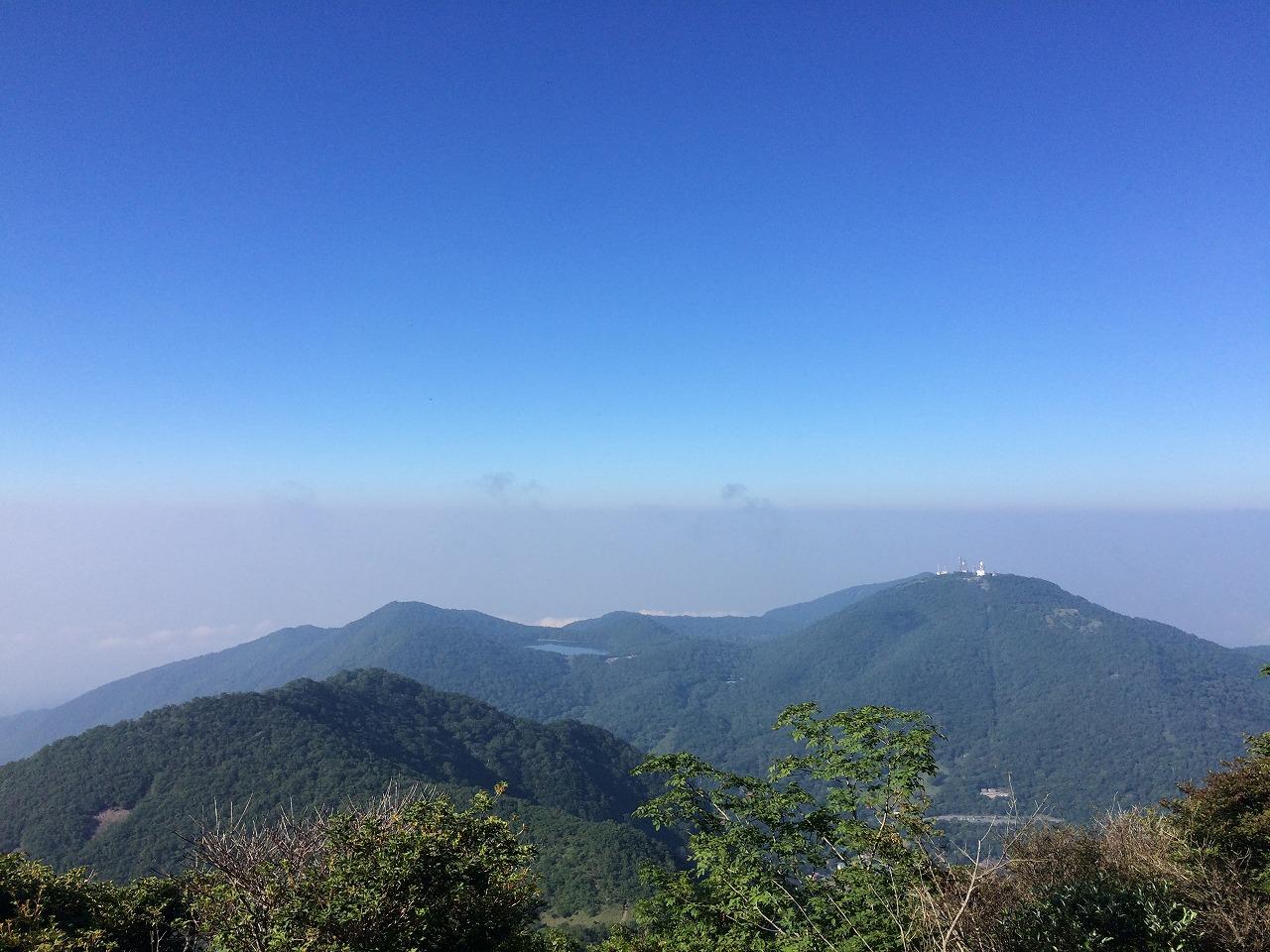 右に見えるのがアンテナ山。