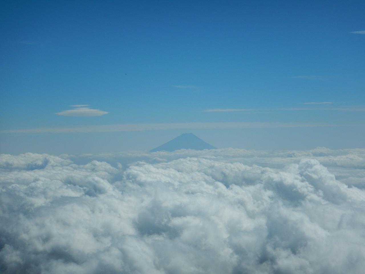 遠方にはあの山も。