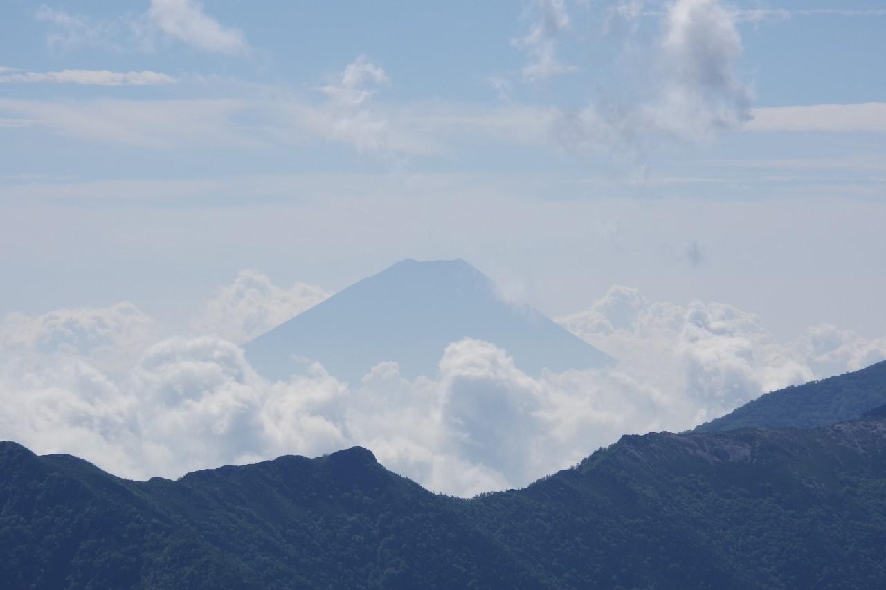 神々しい富士山。