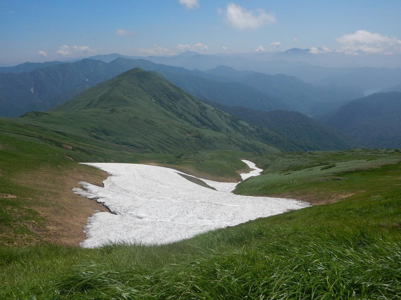 真夏の雪渓
