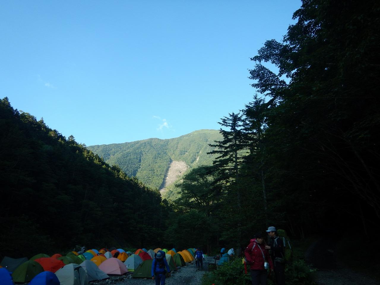 目の前には仙丈ヶ岳
