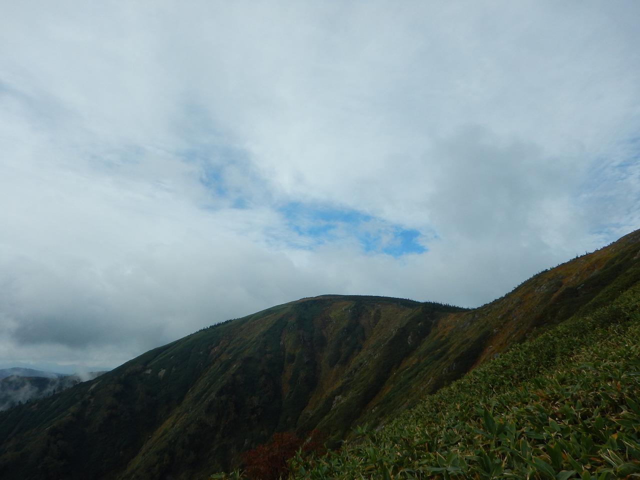 平ヶ岳現る