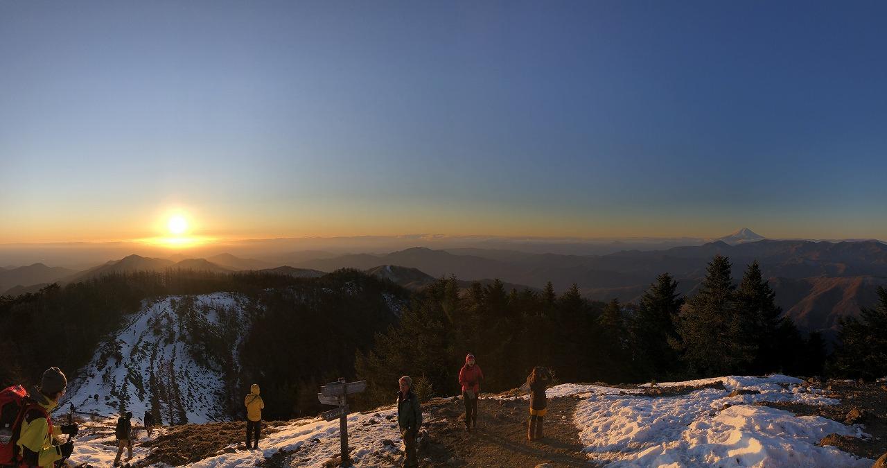 初日の出と富士