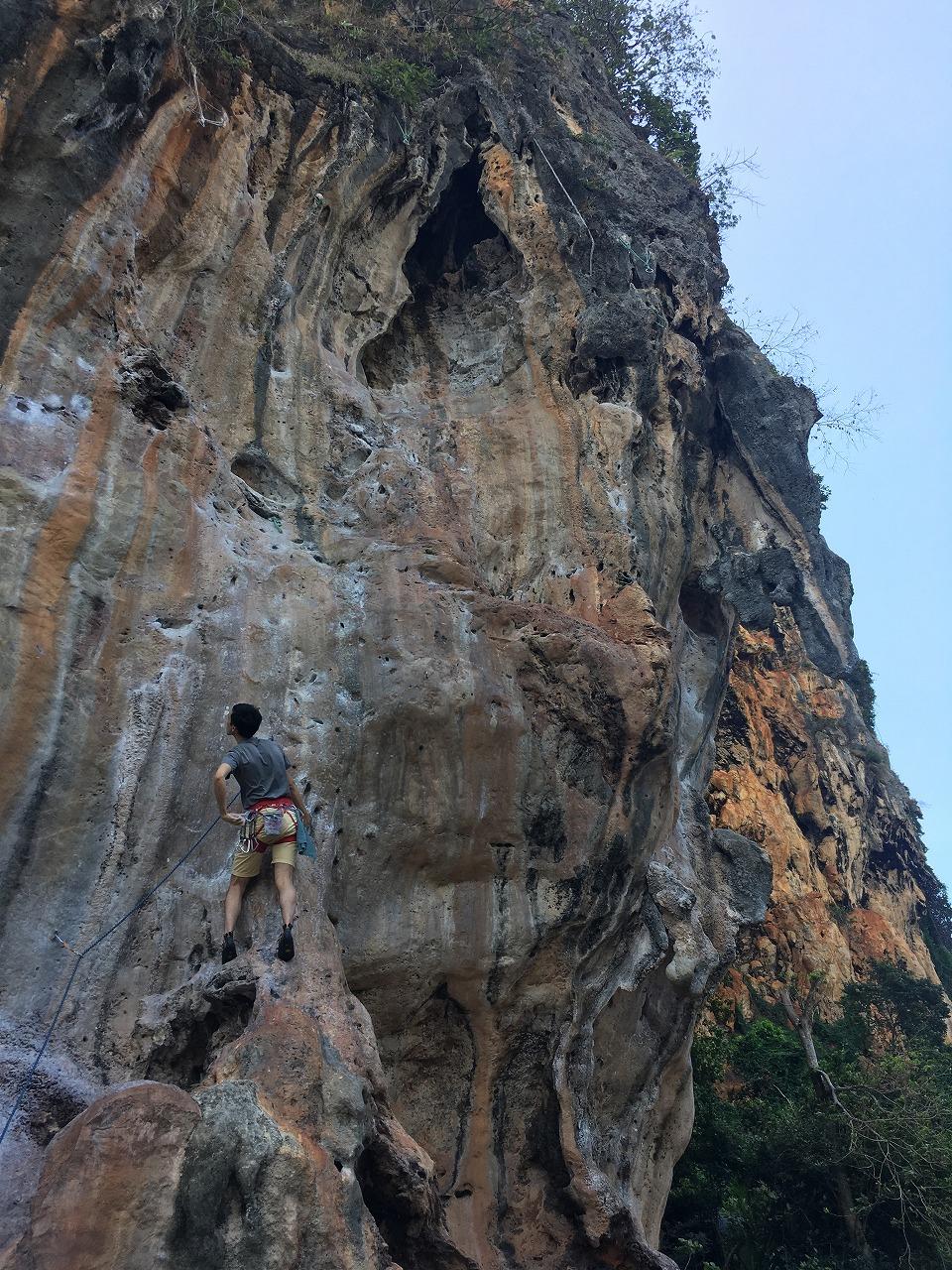 Nuat Hin登攀中