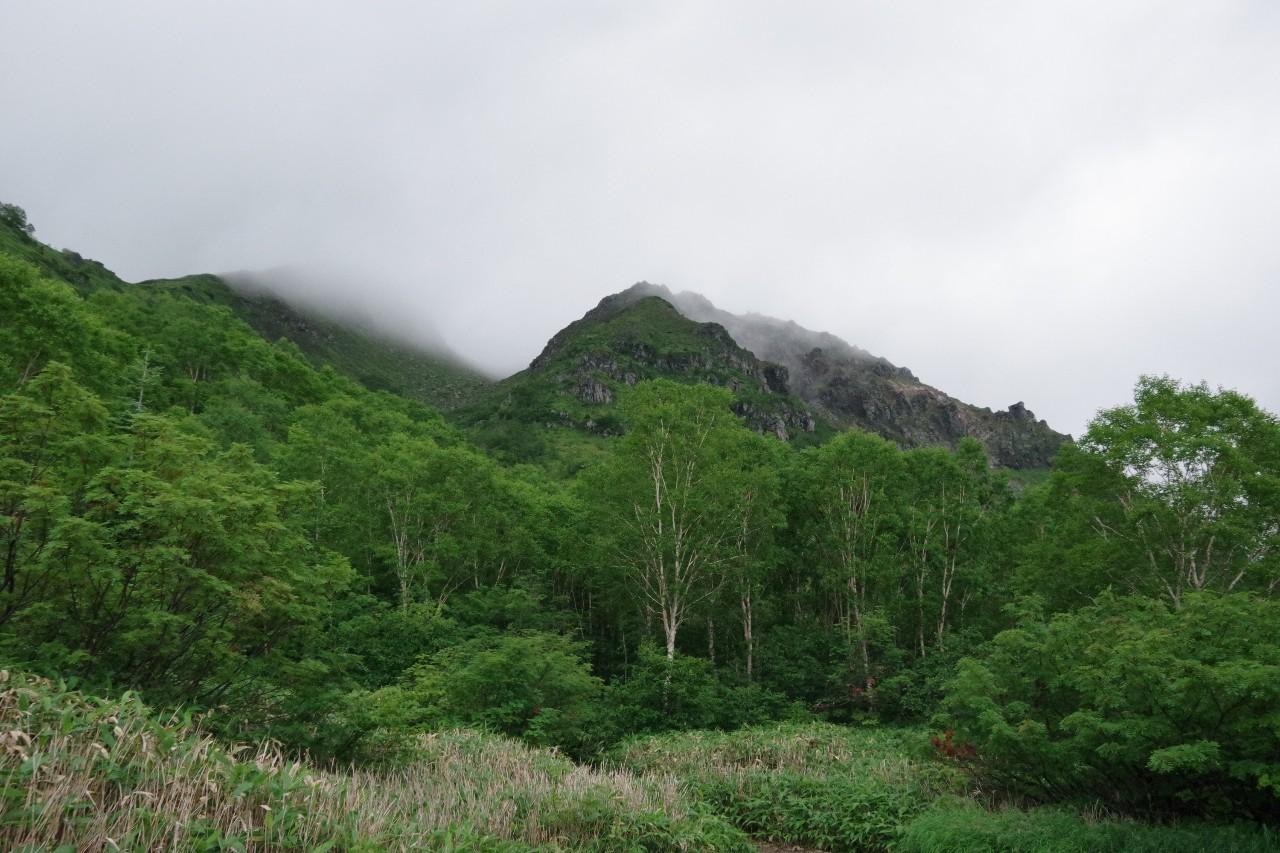 曇天の焼岳