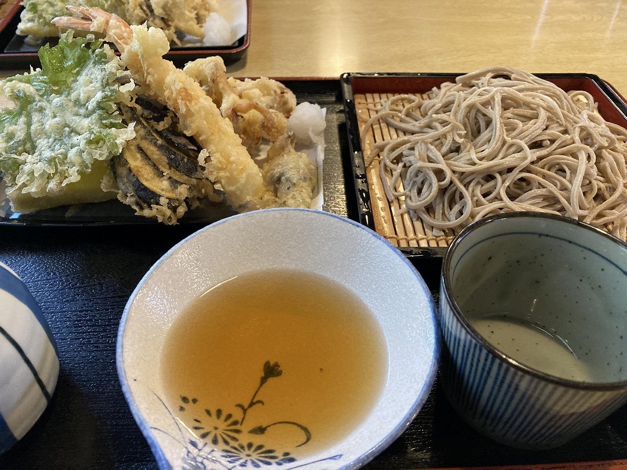 やっとありつけた山菜天ぷら!