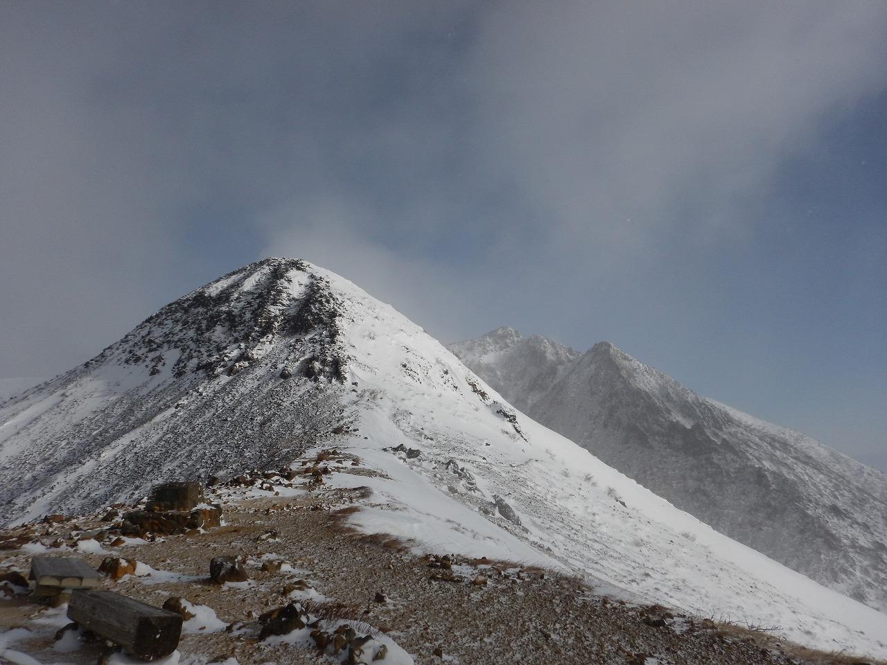 朝日岳方面への道
