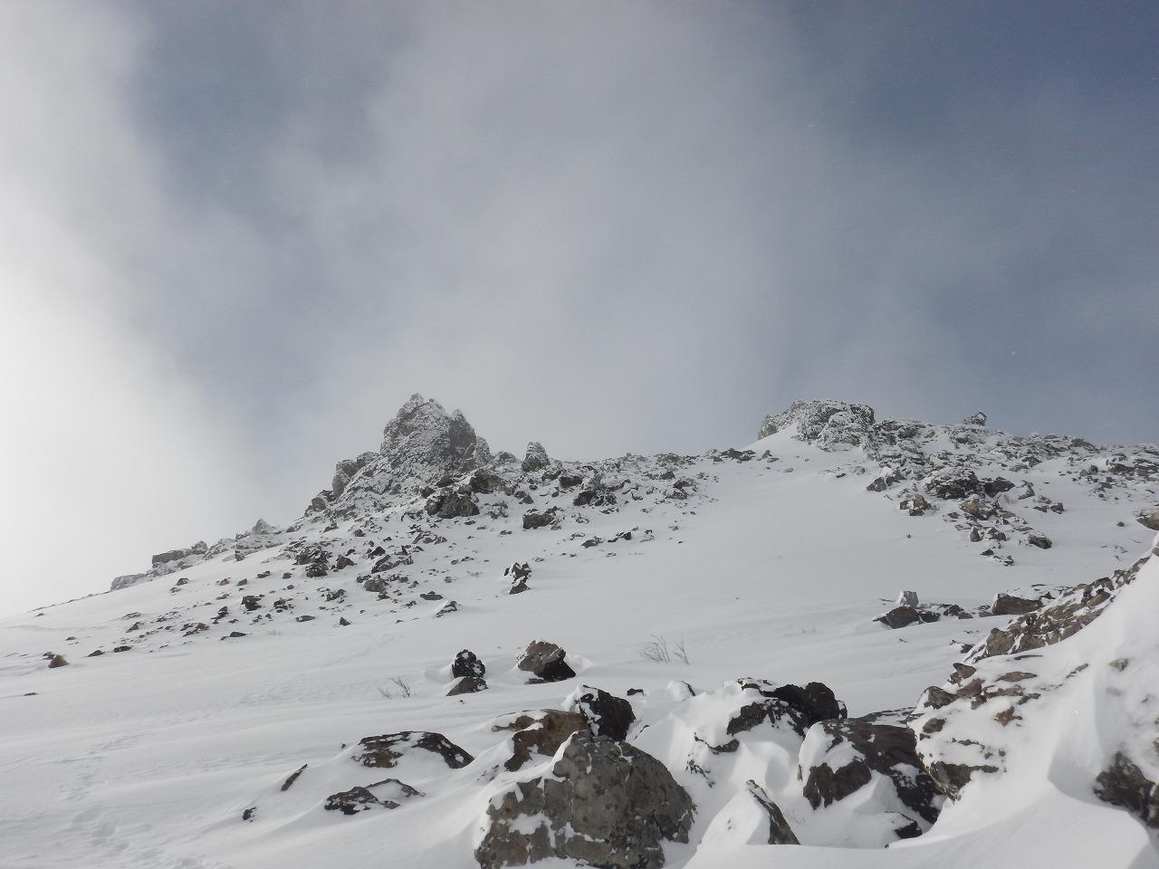 徐々に近づく山頂