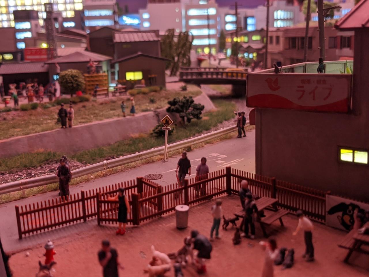 夕方の街並み