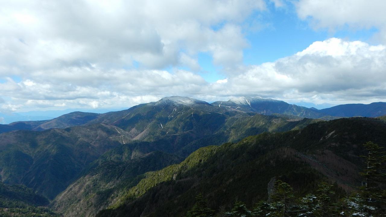 山頂からの景観!