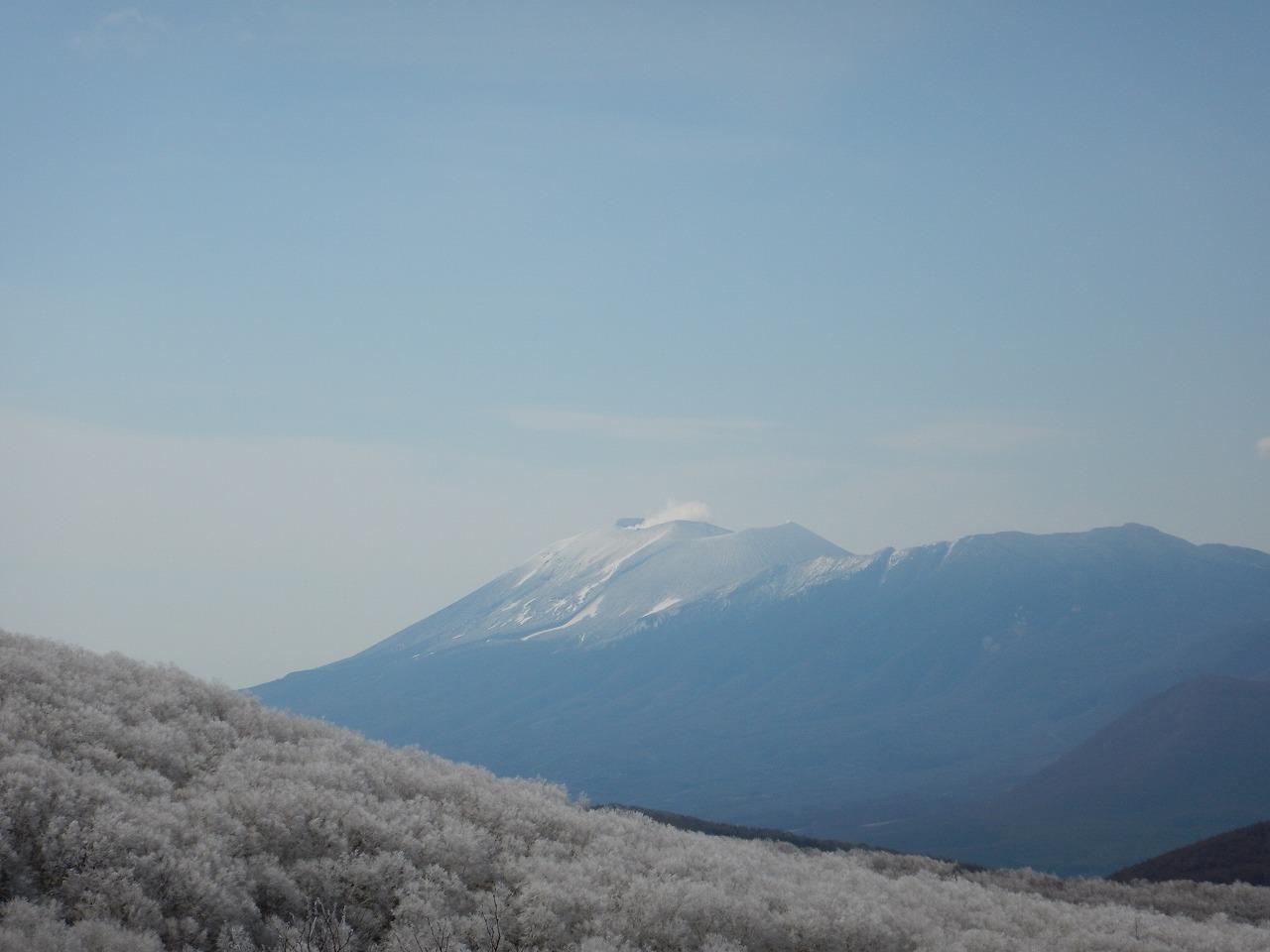 遠方には浅間山