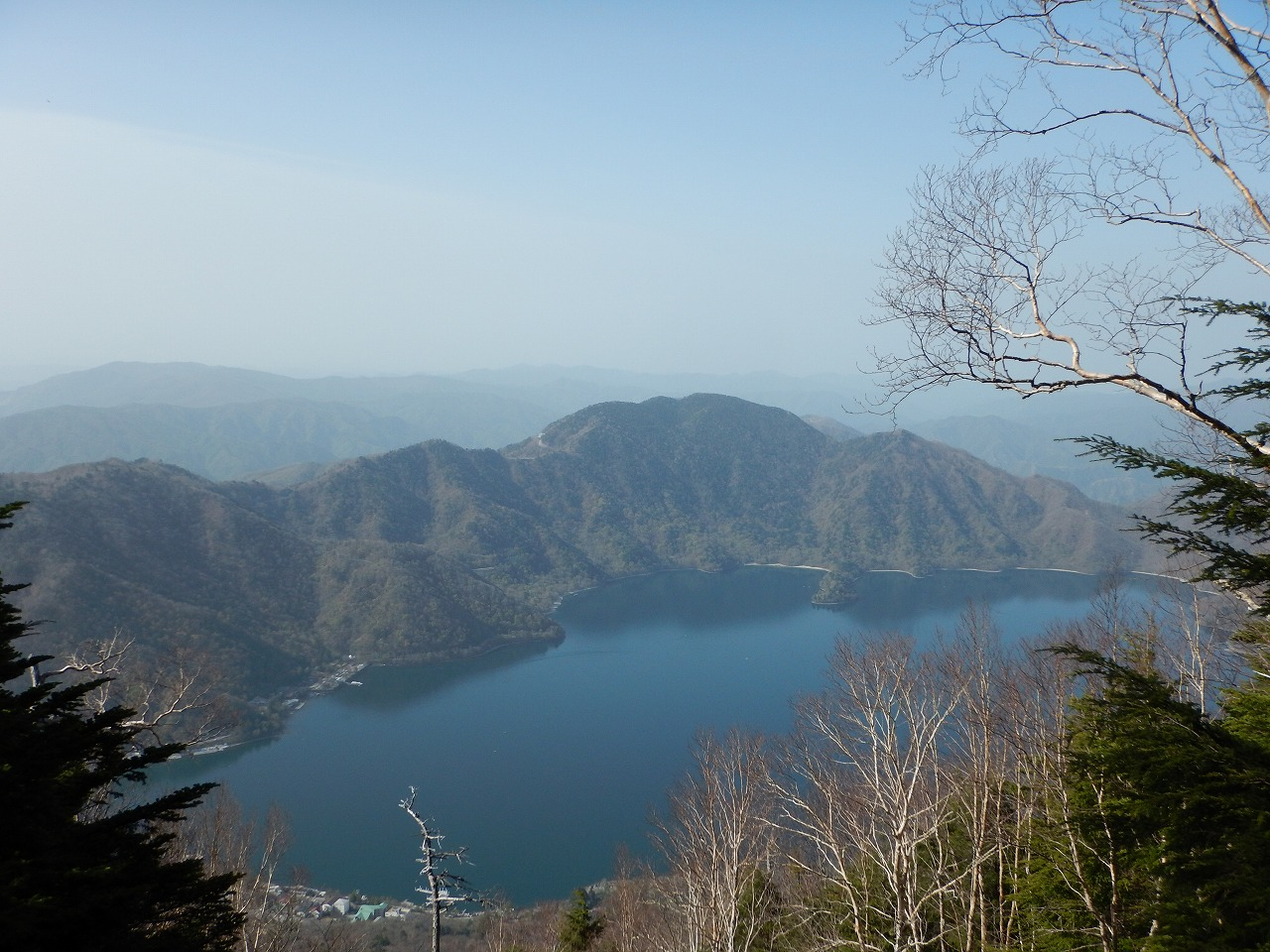 中禅寺湖が見えてきました